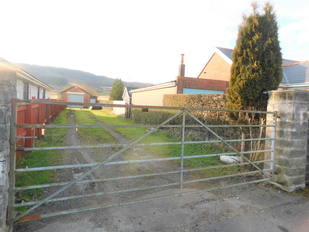 3 bed bungalow for sale in Main Road, Dyffryn Cellwen, Neath 31