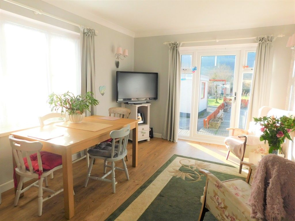 3 bed bungalow for sale in Main Road, Dyffryn Cellwen, Neath 6