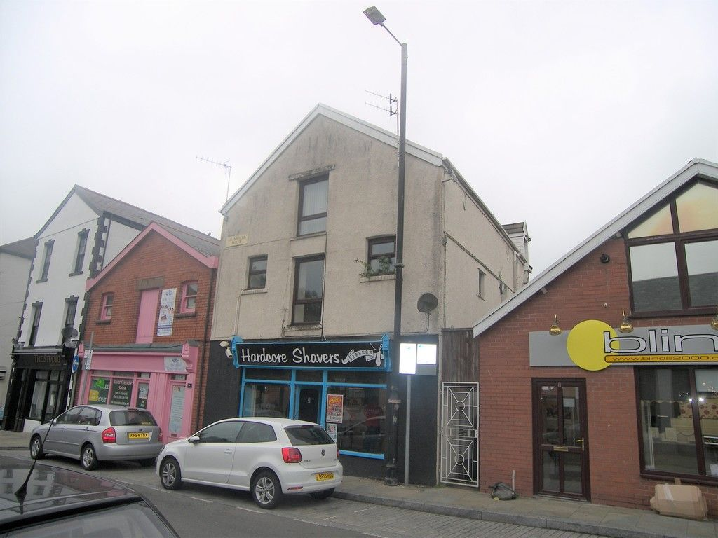 2 bed flat to rent, SA11