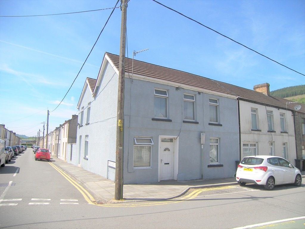 4 bed house for sale in Commercial Road, Resolven, Neath, SA11