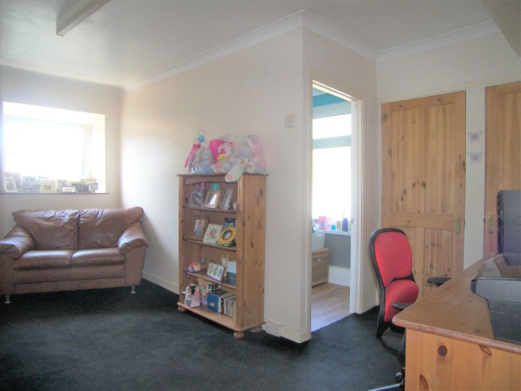 4 bed house for sale in Commercial Road, Resolven, Neath  - Property Image 11