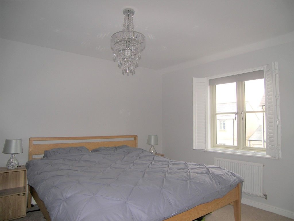 4 bed house for sale in Heathland Way, Llandarcy  - Property Image 11
