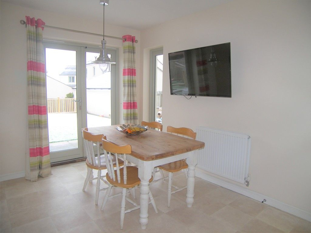 4 bed house for sale in Heathland Way, Llandarcy 6