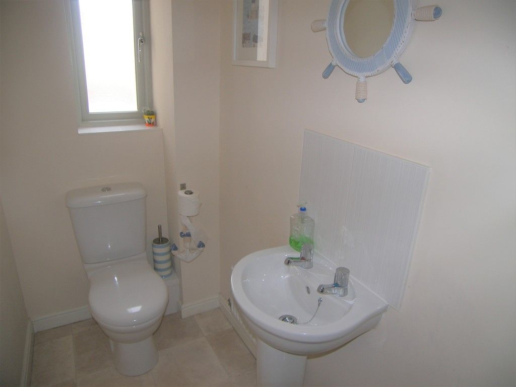 4 bed house for sale in Heathland Way, Llandarcy 8