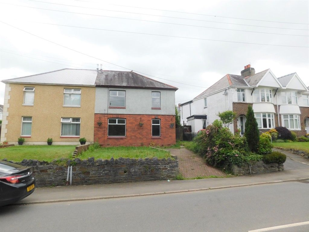 3 bed house for sale in Longford Road, Neath 1