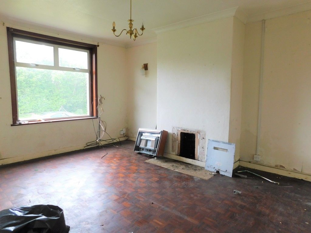 3 bed house for sale in Longford Road, Neath 2