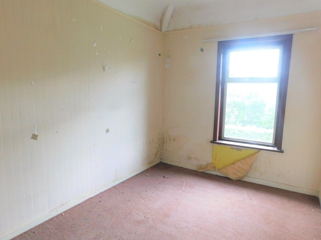 3 bed house for sale in Longford Road, Neath 9