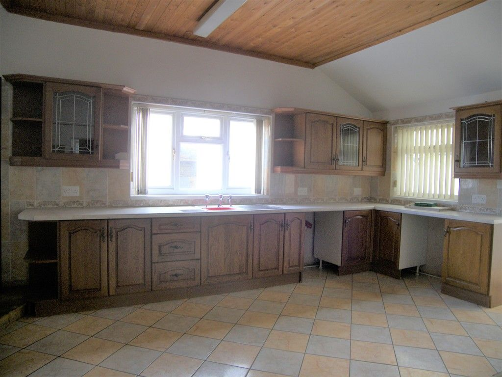 3 bed house for sale in Bethania Street, Glynneath, Neath  - Property Image 6