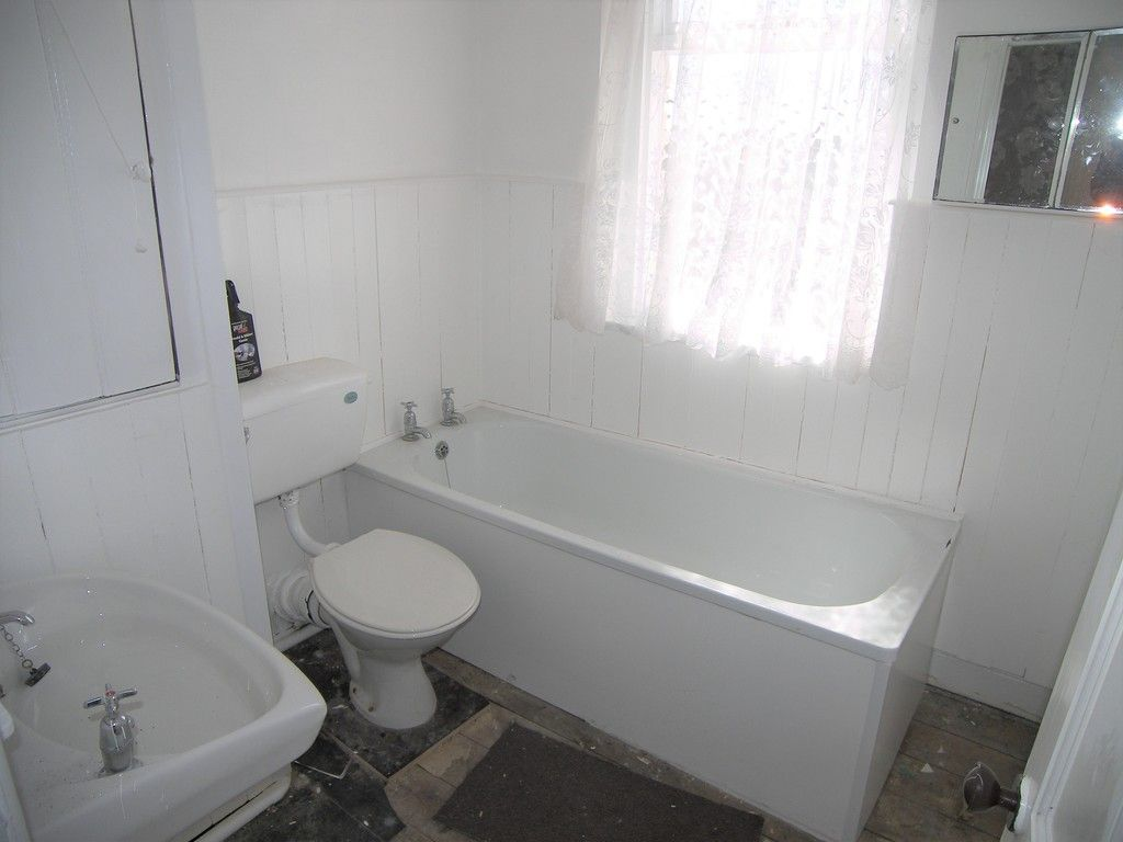 3 bed house for sale in Pentwyn Baglan Road, Baglan, Port Talbot  - Property Image 12