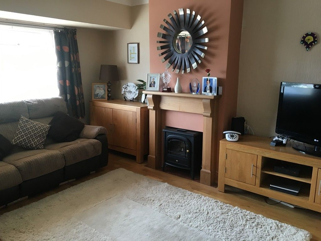 3 bed house for sale in Newborough Avenue, Llanishen, Cardiff  - Property Image 3