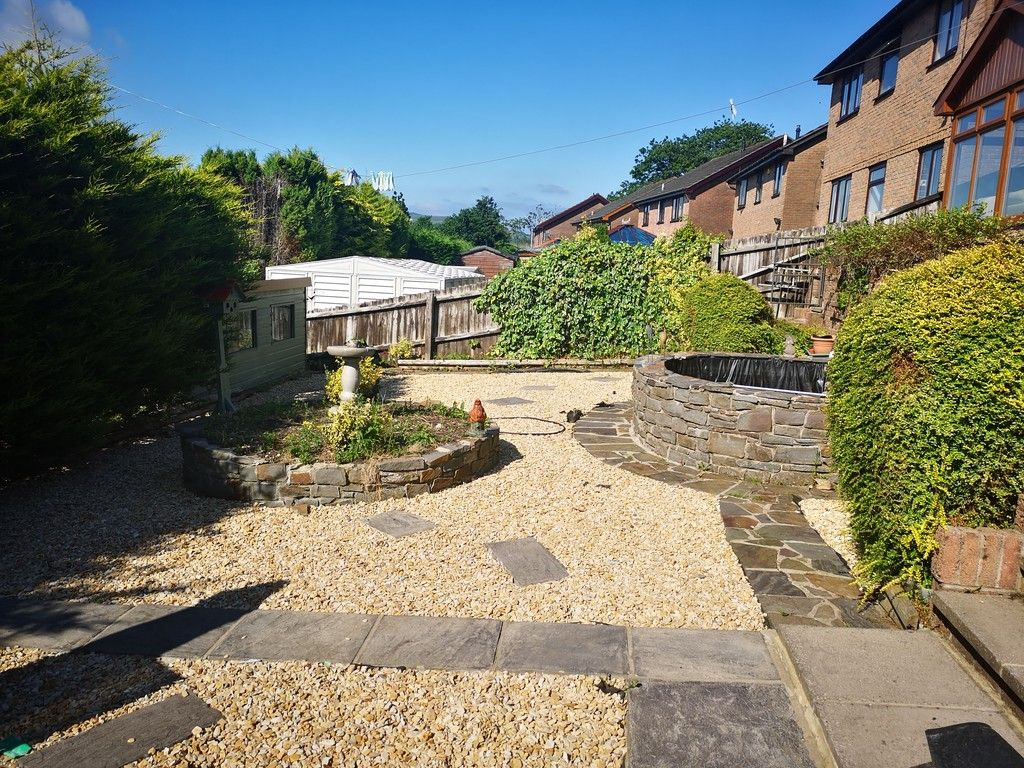 4 bed house for sale in Clos Caegwenith, Tonna, Neath 18