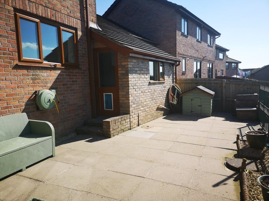 4 bed house for sale in Clos Caegwenith, Tonna, Neath  - Property Image 23