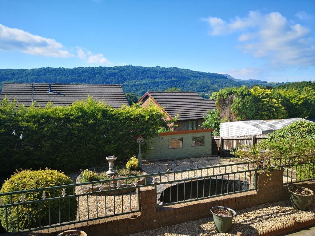 4 bed house for sale in Clos Caegwenith, Tonna, Neath  - Property Image 24