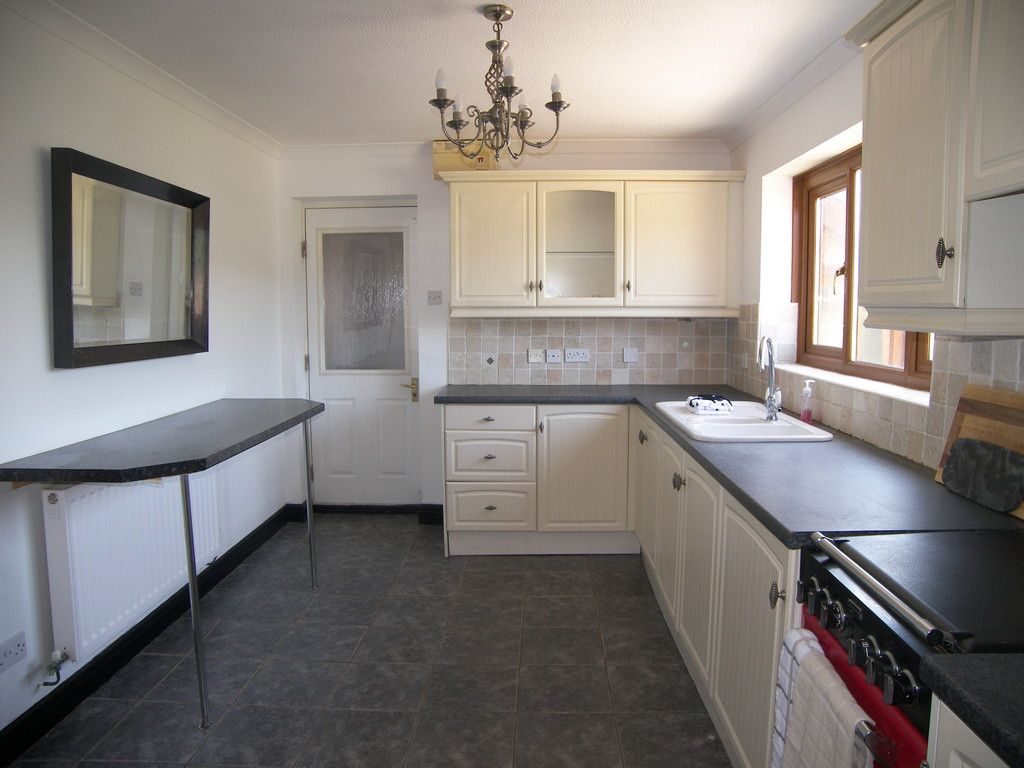 4 bed house for sale in Clos Caegwenith, Tonna, Neath 6