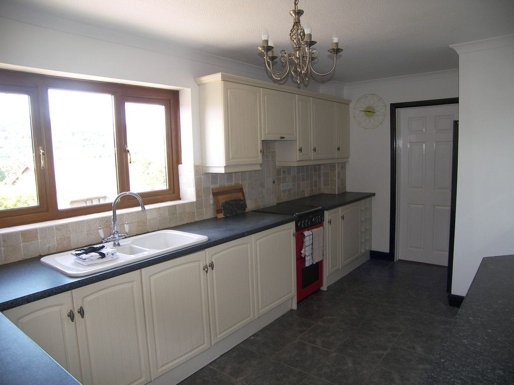 4 bed house for sale in Clos Caegwenith, Tonna, Neath 7