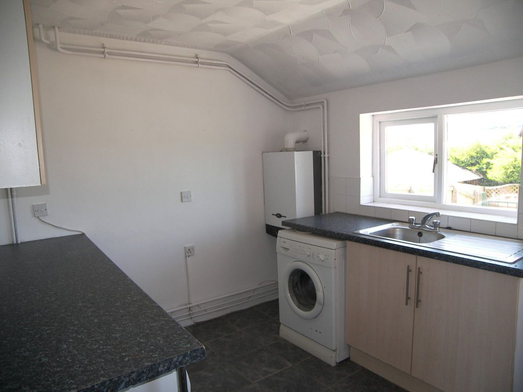 4 bed house for sale in Clos Caegwenith, Tonna, Neath 8