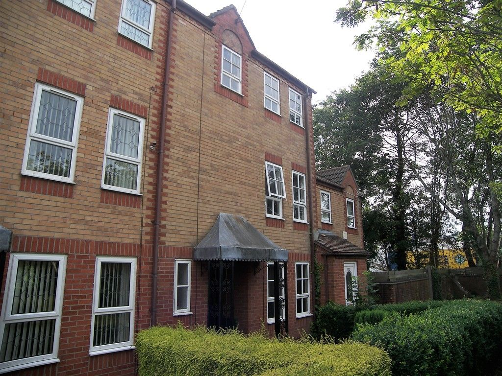 5 bed house to rent - Property Image 1