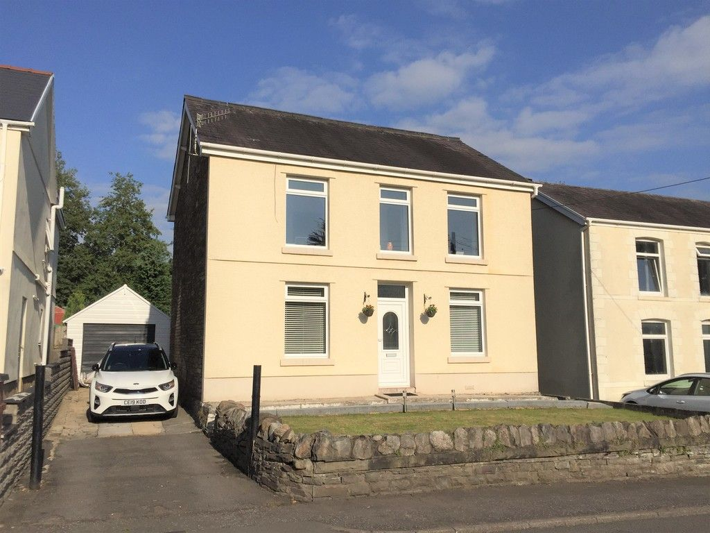 3 bed house for sale in Lone Road, Clydach, Swansea - Property Image 1