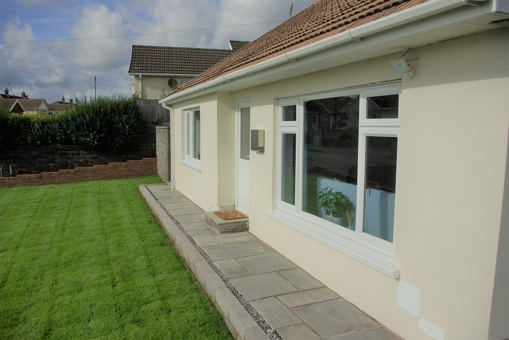 3 bed bungalow for sale in Glanbran Road, Birchgrove, Swansea 5