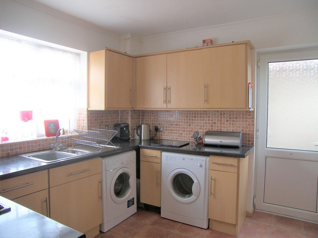 3 bed house for sale in Roman Way, Neath 5