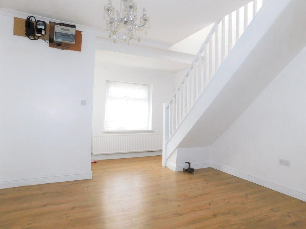 4 bed house for sale in School Road, Crynant, Neath 2