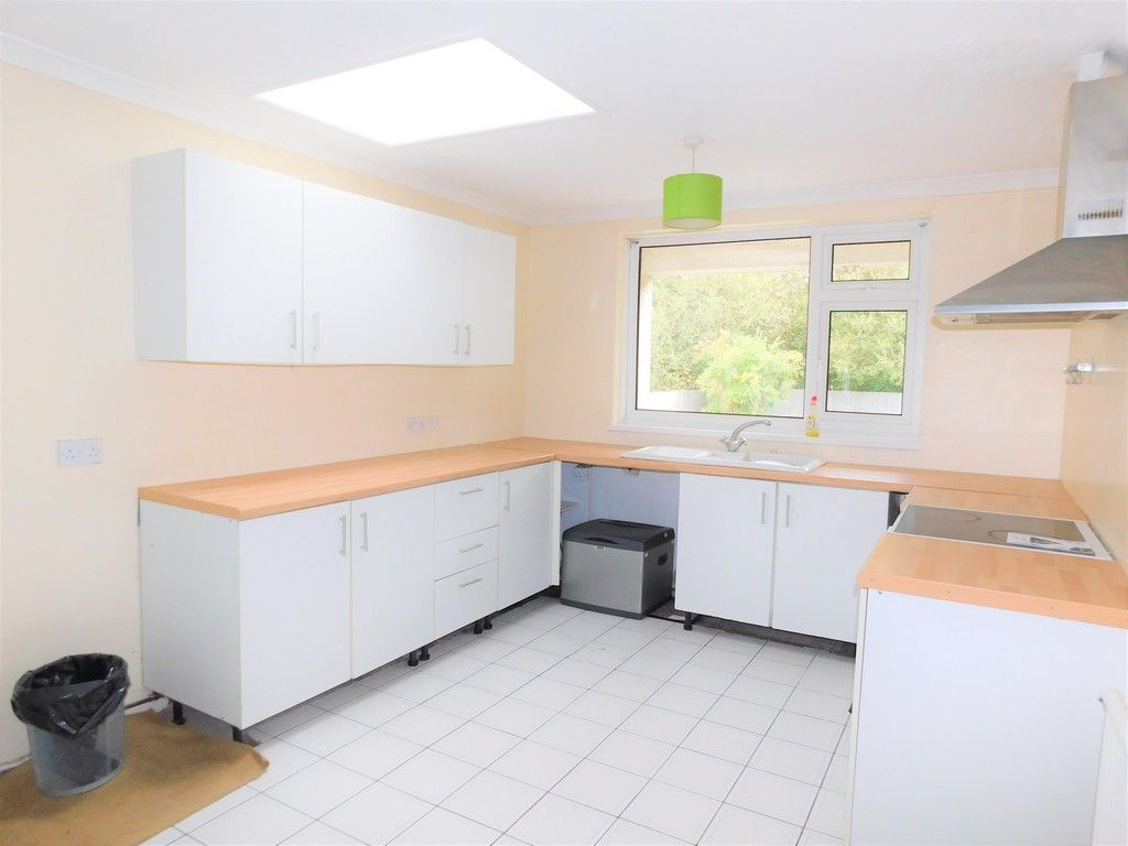 4 bed house for sale in School Road, Crynant, Neath 7