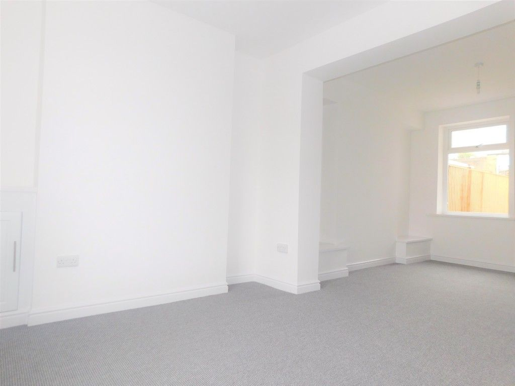 3 bed house for sale in Llantwit Road, Neath  - Property Image 5