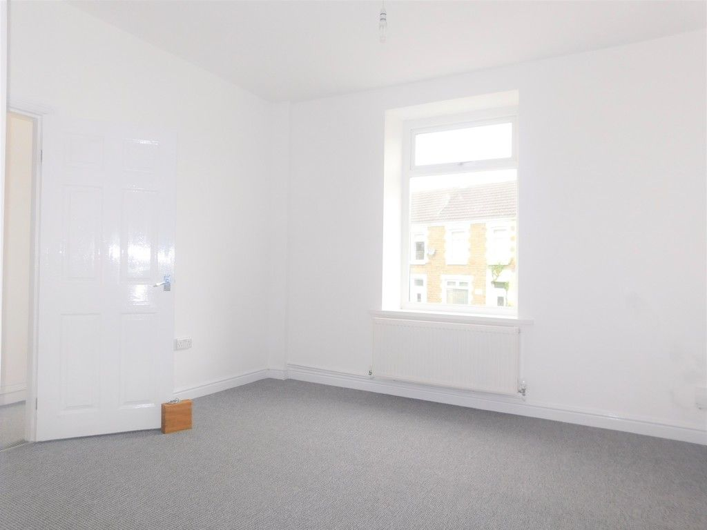 3 bed house for sale in Llantwit Road, Neath 6