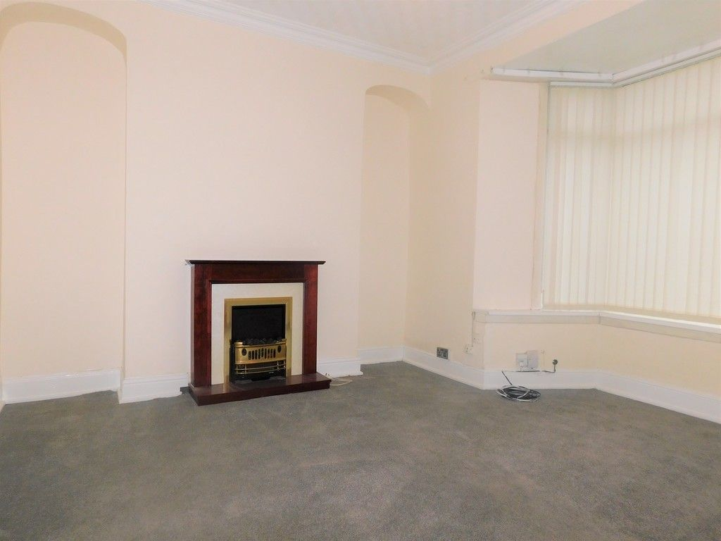 3 bed house to rent in Cimla Road, Neath 2