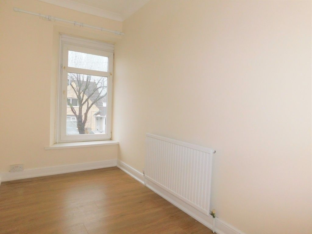 3 bed house to rent in Cimla Road, Neath 11