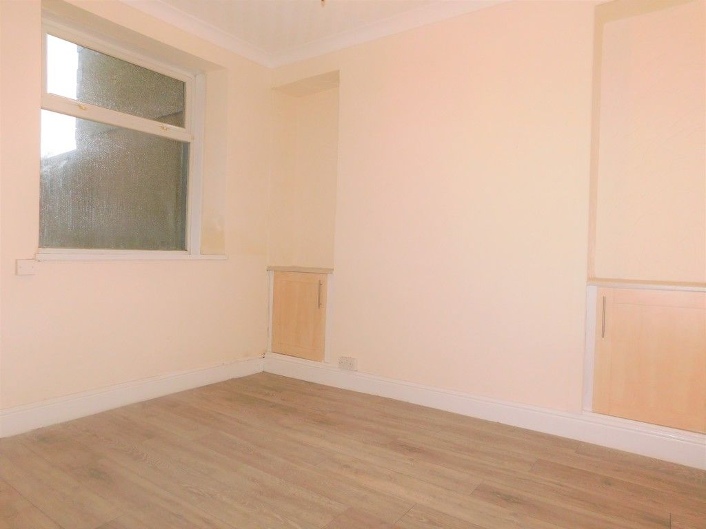 3 bed house to rent in Cimla Road, Neath 3
