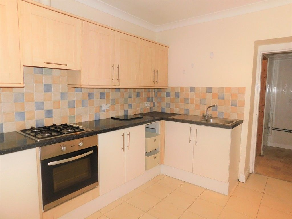 3 bed house to rent in Cimla Road, Neath 4