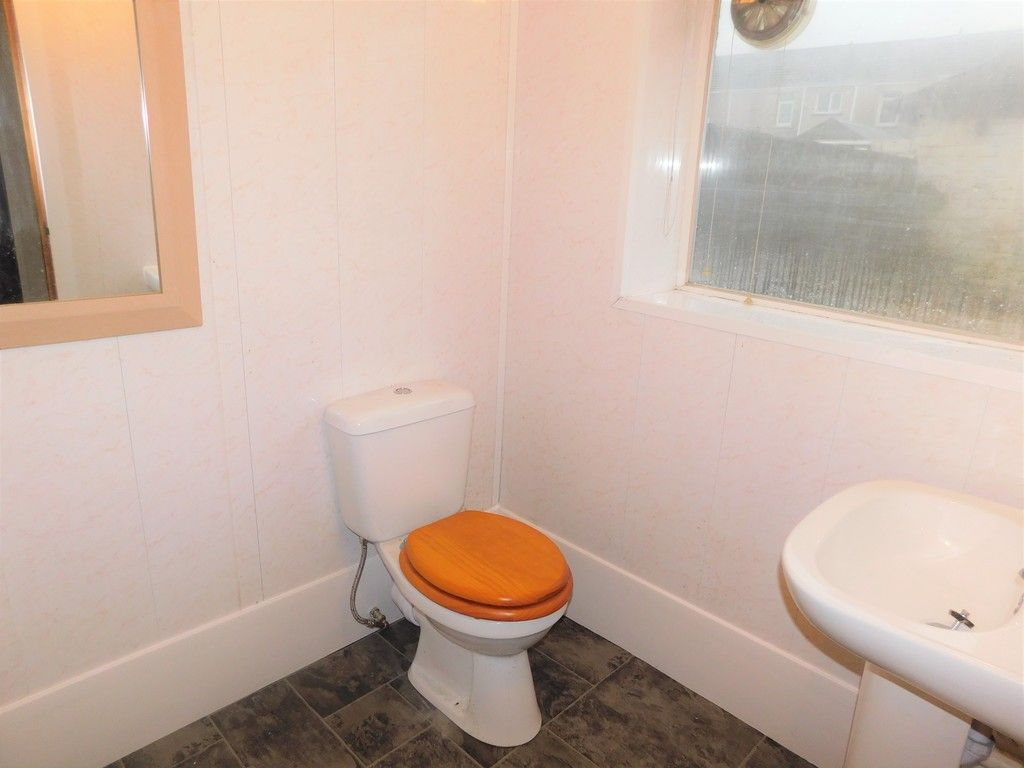 3 bed house to rent in Cimla Road, Neath 6