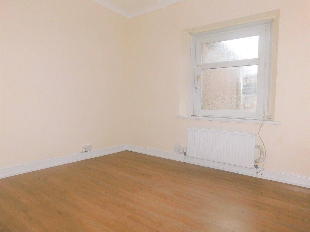 3 bed house to rent in Cimla Road, Neath 8