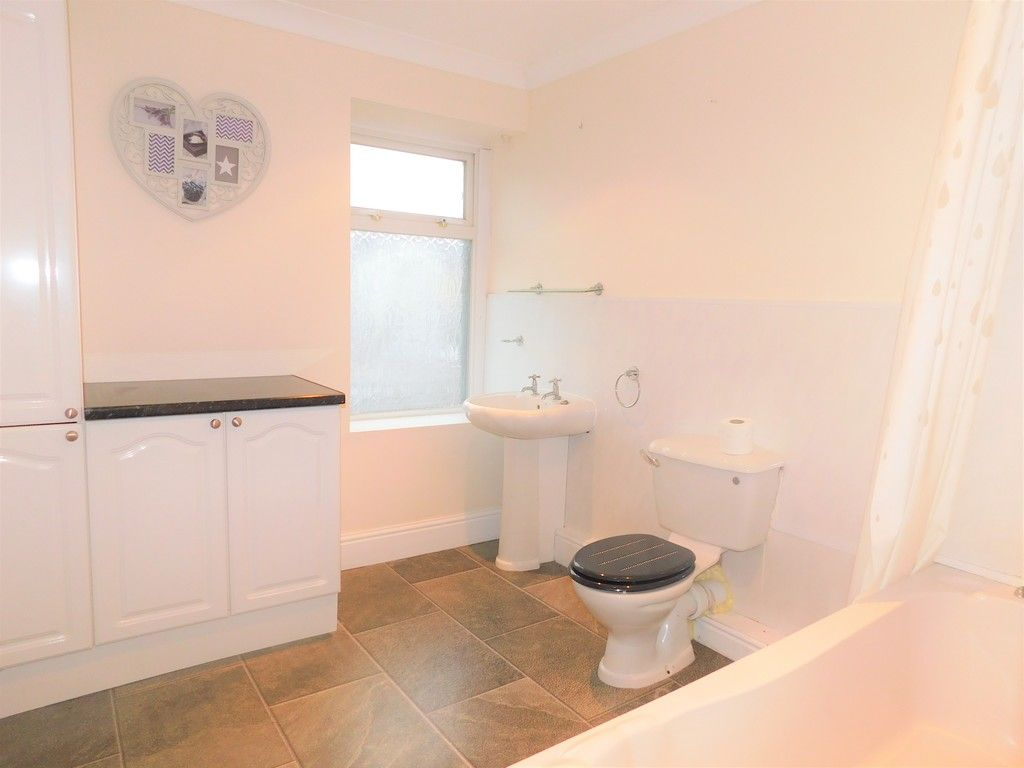 3 bed house to rent in Cimla Road, Neath 9