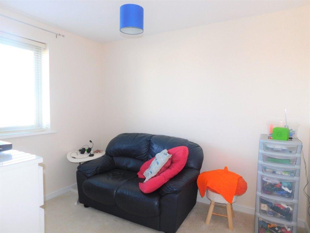 4 bed house for sale in Pen Y Graig, Llandarcy, Neath 15
