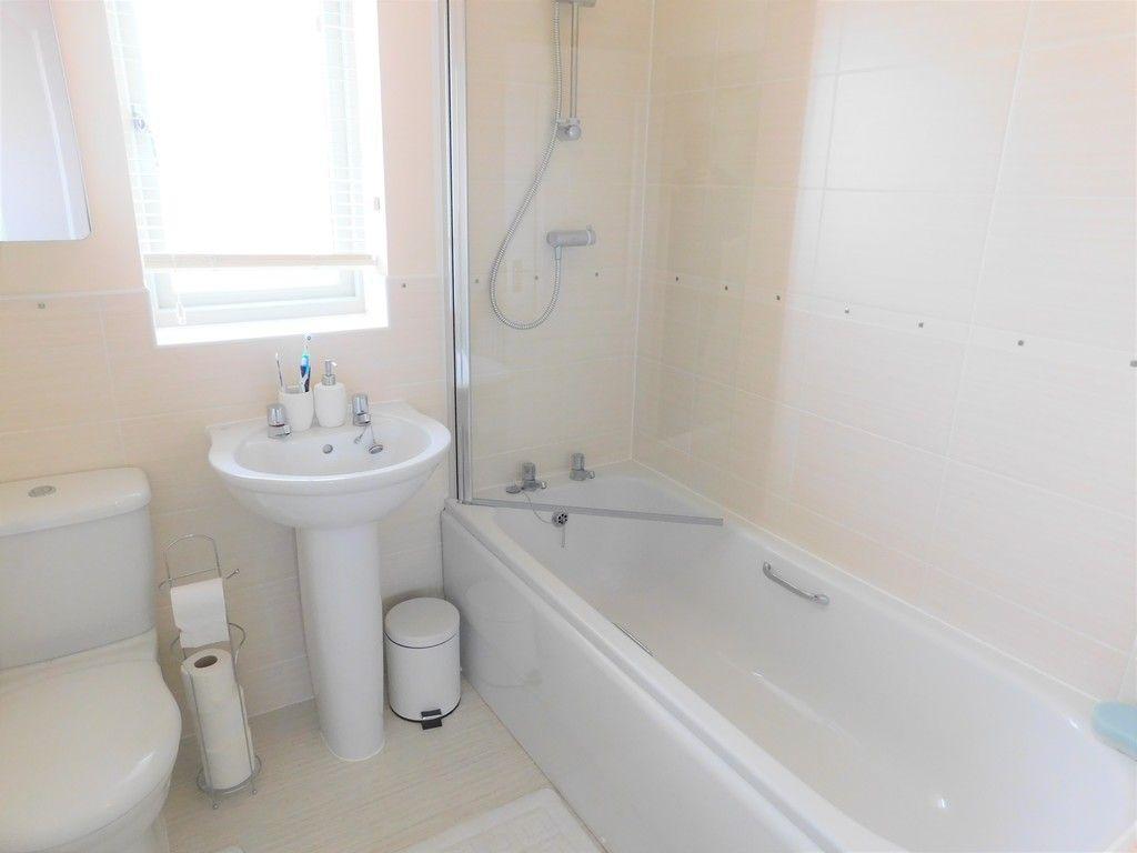 4 bed house for sale in Pen Y Graig, Llandarcy, Neath  - Property Image 16