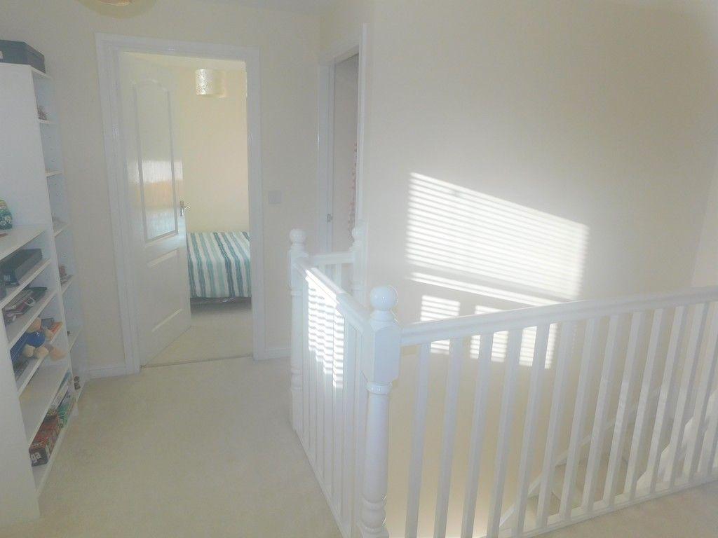4 bed house for sale in Pen Y Graig, Llandarcy, Neath 10