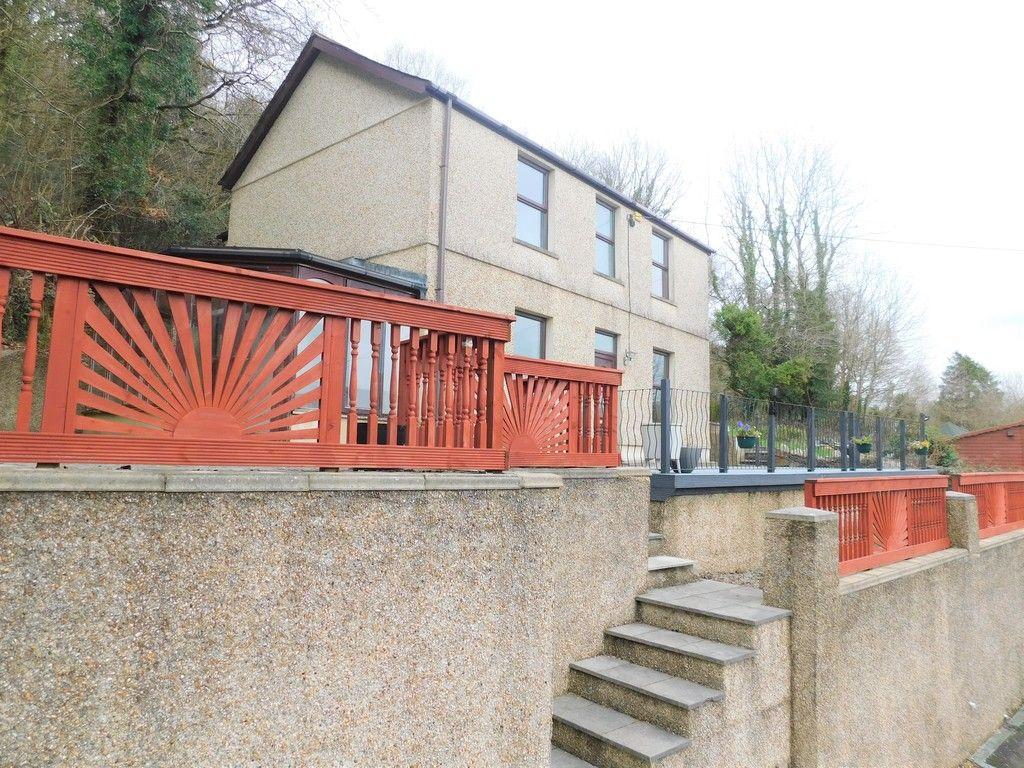 4 bed house for sale in Davies Road, Pontardawe, Swansea 1