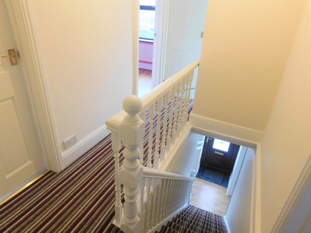 4 bed house for sale in Davies Road, Pontardawe, Swansea  - Property Image 14