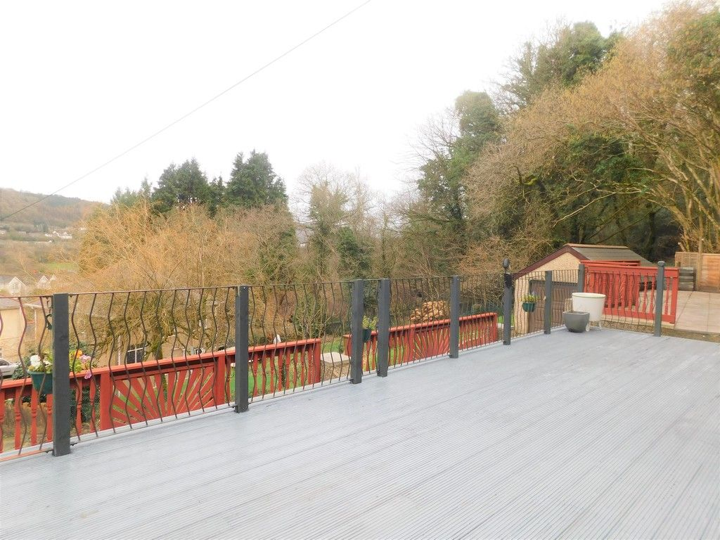 4 bed house for sale in Davies Road, Pontardawe, Swansea  - Property Image 15