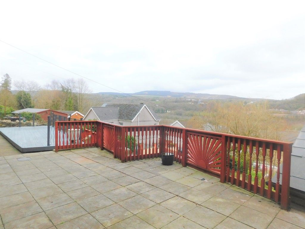 4 bed house for sale in Davies Road, Pontardawe, Swansea  - Property Image 18