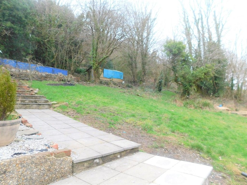 4 bed house for sale in Davies Road, Pontardawe, Swansea  - Property Image 19