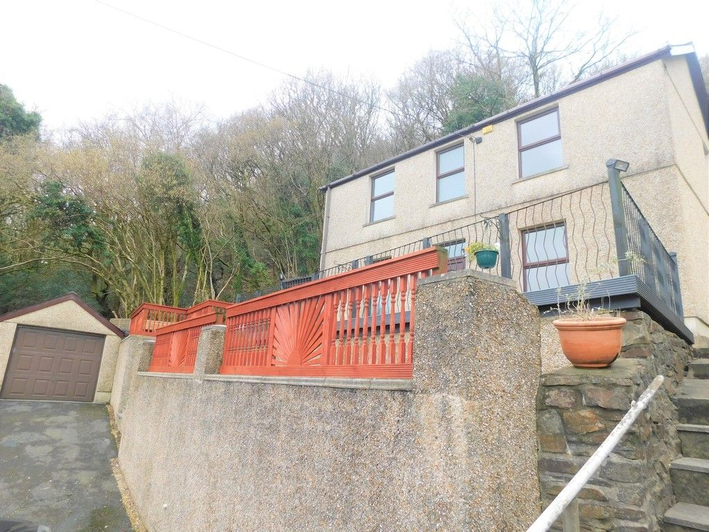 4 bed house for sale in Davies Road, Pontardawe, Swansea  - Property Image 26