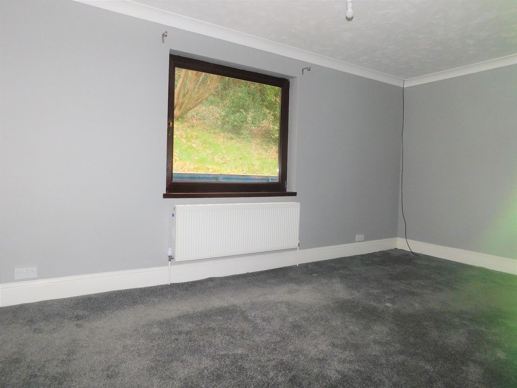 4 bed house for sale in Davies Road, Pontardawe, Swansea  - Property Image 8