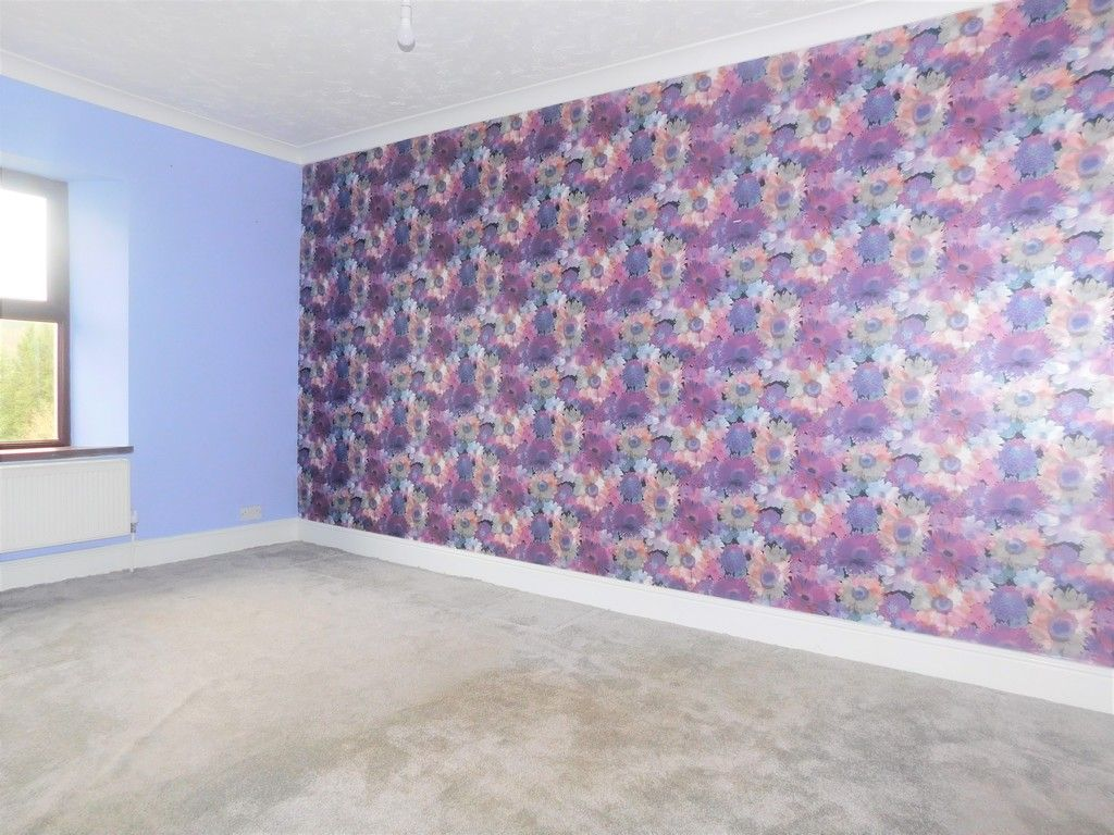 4 bed house for sale in Davies Road, Pontardawe, Swansea  - Property Image 10