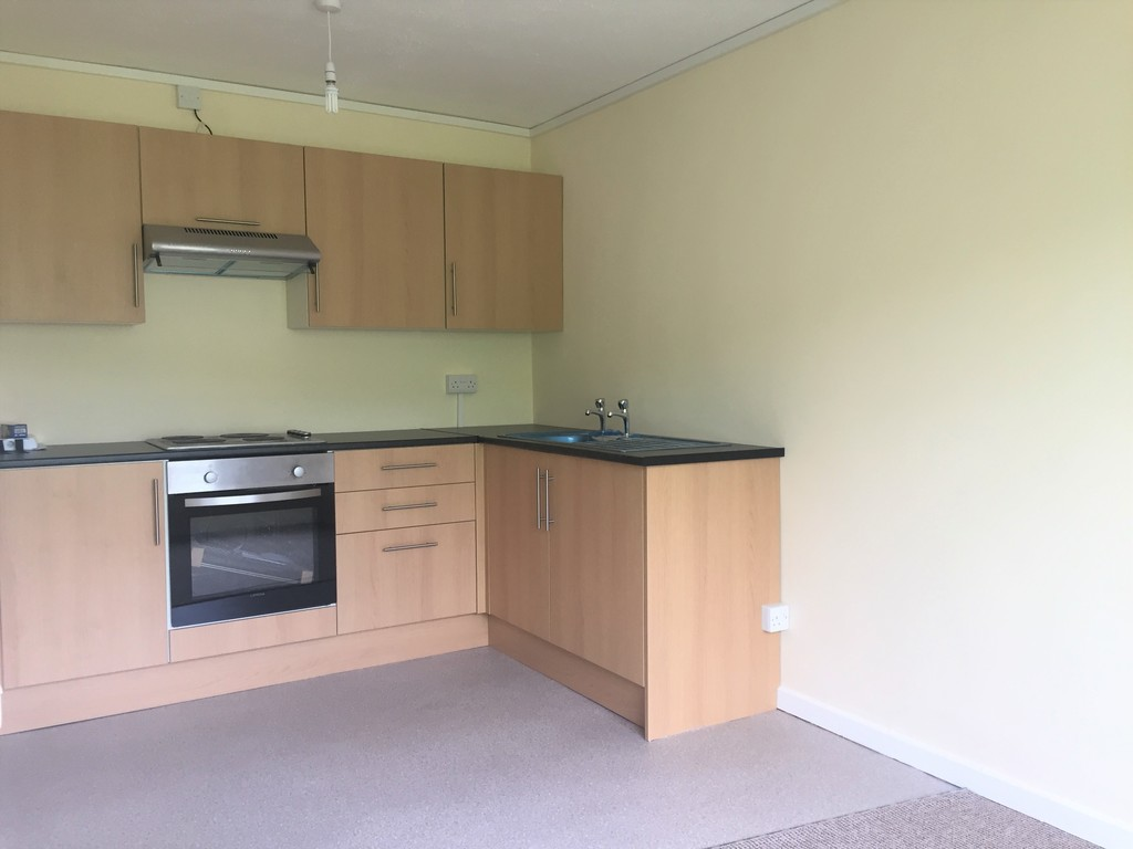 1 bed flat to rent in Llys-yr-ynys, Resolven, Neath 4