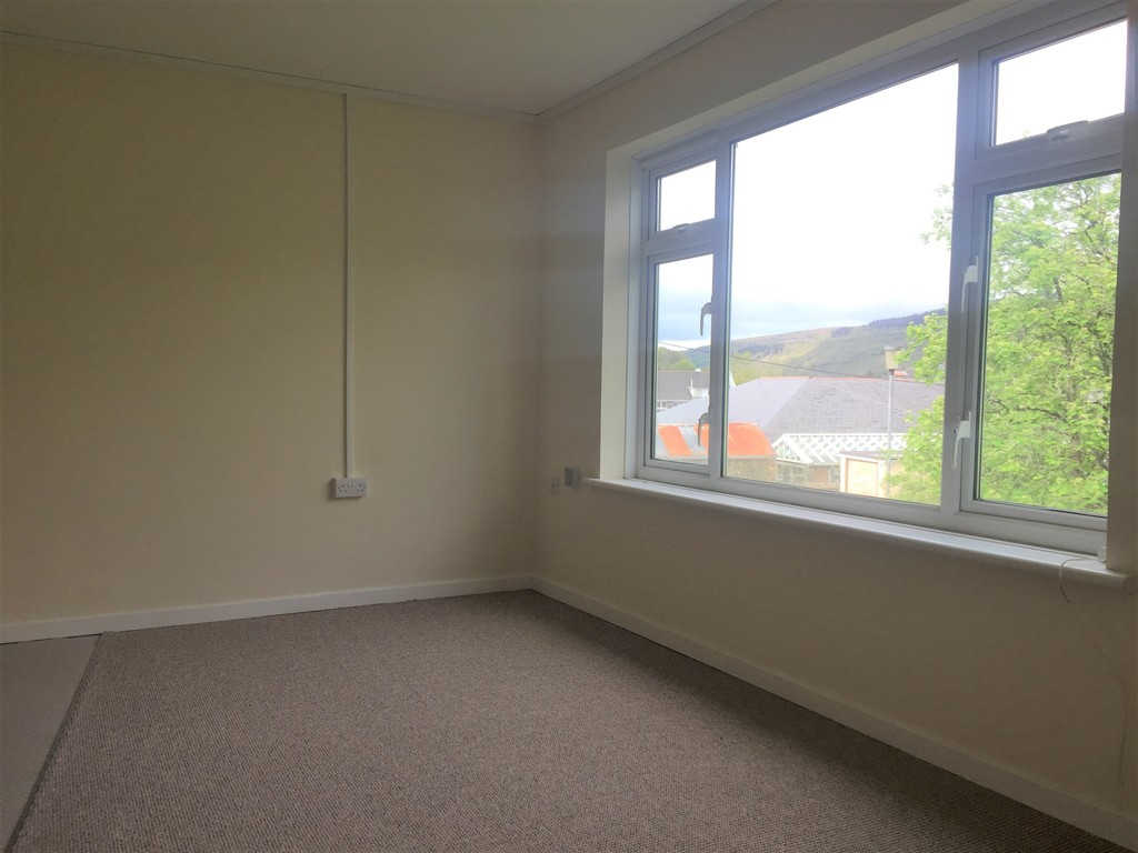1 bed flat to rent in Llys-yr-ynys, Resolven, Neath 5
