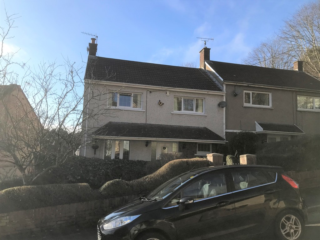 3 bed house for sale in Laburnum Avenue, Baglan, Port Talbot  - Property Image 1
