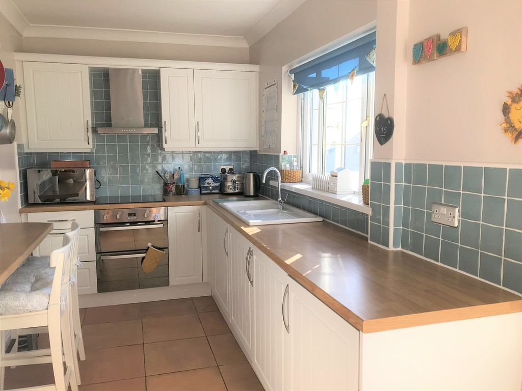 3 bed house for sale in Laburnum Avenue, Baglan, Port Talbot 6